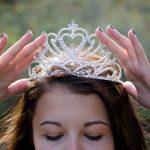 Los 5 signos del zodíaco que desean ser tratados como realeza